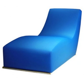 Alessandro Alvarenga and Suka Braga Chaise Longue