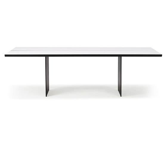 Jacob Plejdrup Blackwhite Table