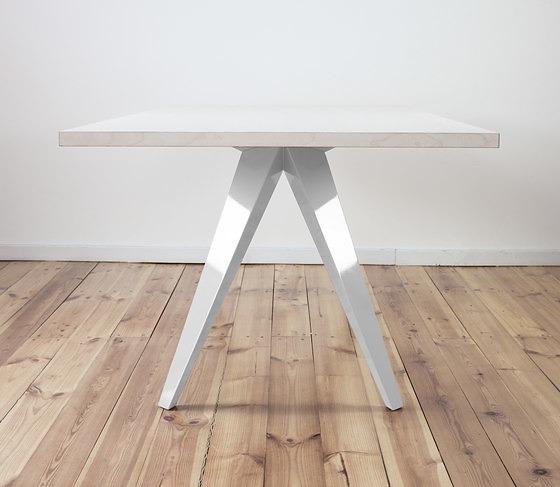 45 KILO Busy Table