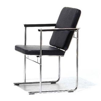 Yrjö Kukkapuro Skaala Chair