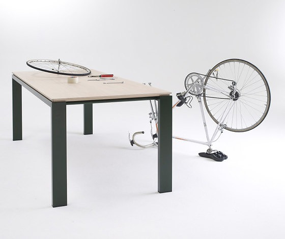 Arnold Merckx Graphic Table