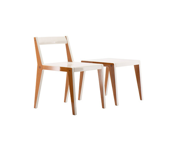 BEHF Corporate Architects Wiener Fauteuil Table