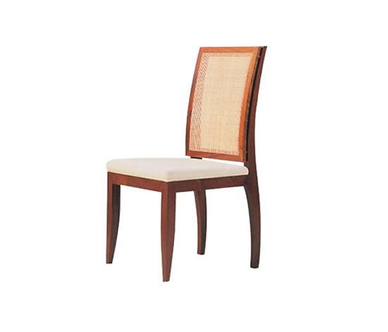 Cláudia Moreira Salles Sicupira Chair