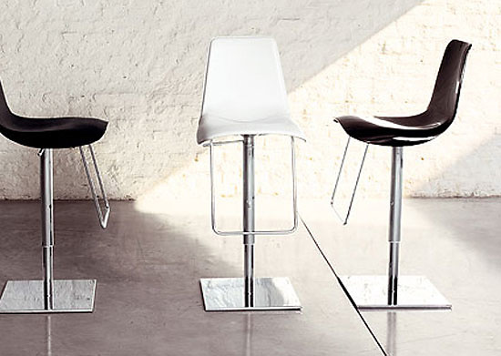Claudio Dondoli And Marco Pocci Lei Hi Stool