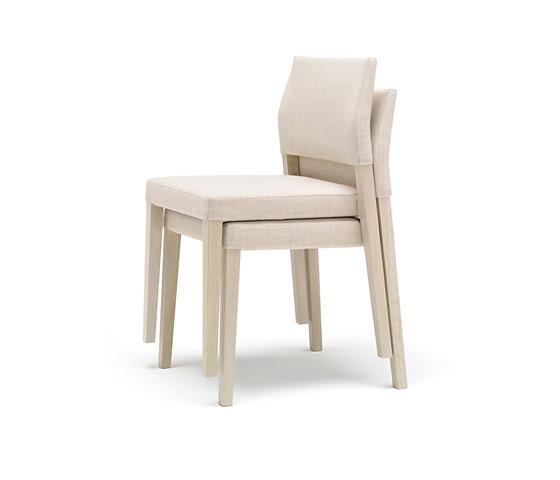 Estudio Andreu Valeria Comfort Chair