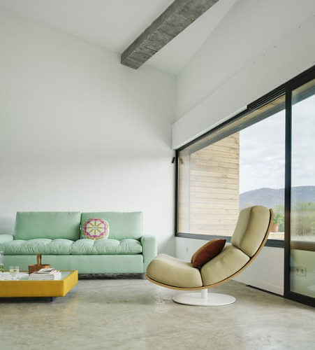 Estudio Arquea Art Lounge Chair