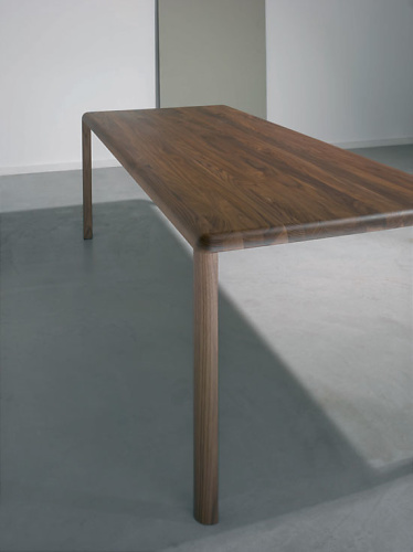 Gil Coste Thuna Table
