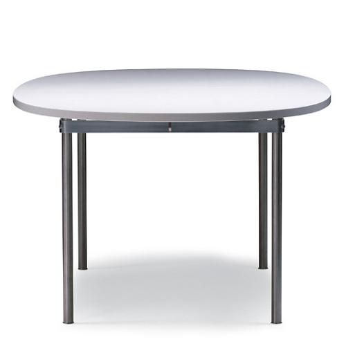 Hans J. Wegner CH330 Table