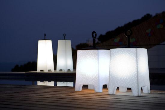 Javier mariscal mora lamp for Iluminacion exterior jardin diseno