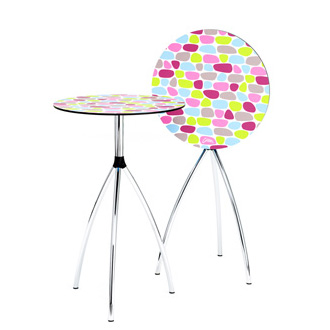 molldesign and Lars Contzen Stand Up Table