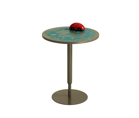 Nani Marquina and Ricard Ferrer Tapete Side Table
