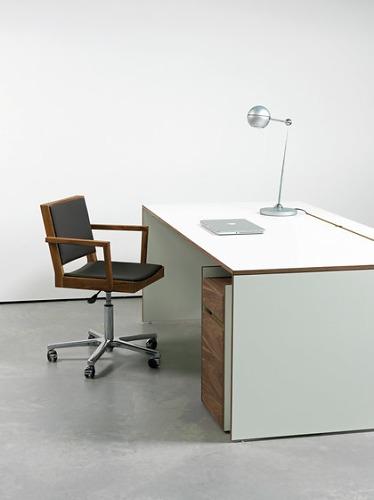 OLIVER CONRAD Studio Os Desk