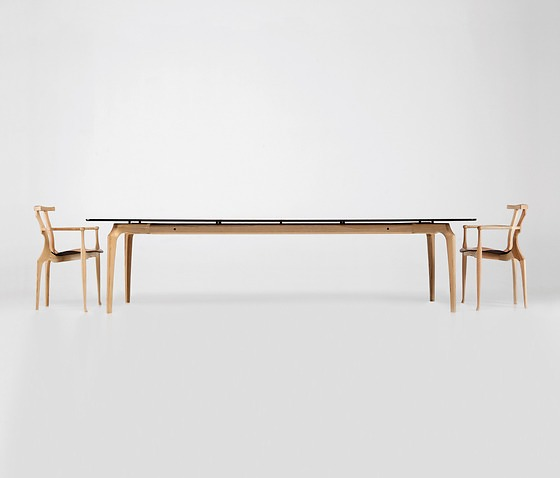 Oscar Tusquets Blanca Gaulino Table
