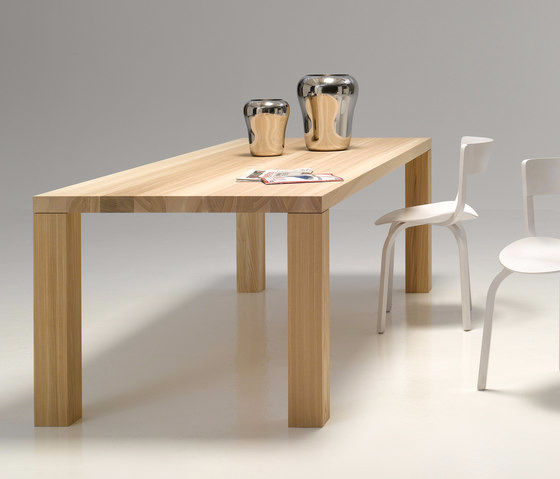 performa Solid-Wood Table