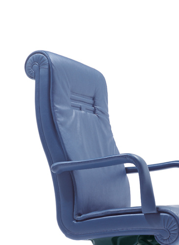 Poltrona Frau Forum Chair