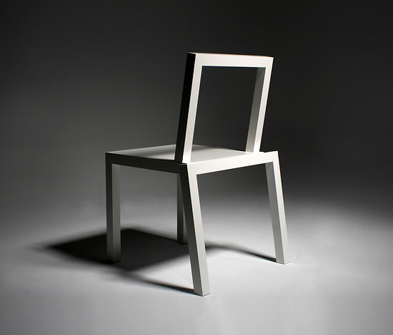 Richard Ábedu Chicago Chair