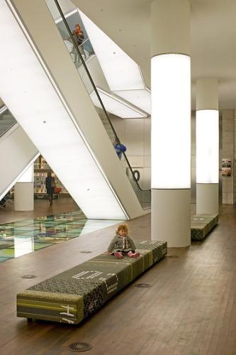 Richard Meier CHTH Desk