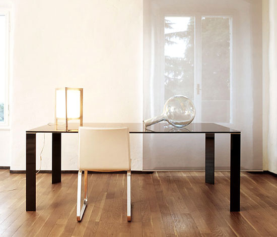 Studio Sovet Jean Table