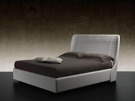 Tulczinsky Swan Bed