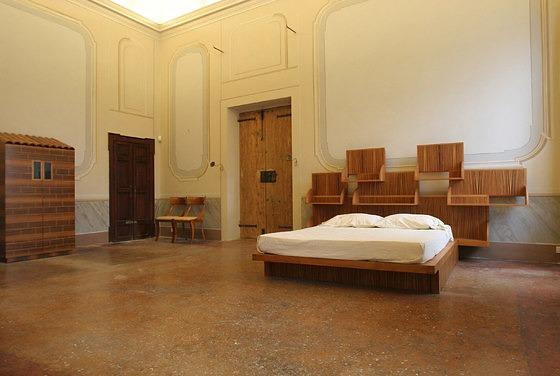 Ugo La Pietra Letto Uno Sull´altro Bed