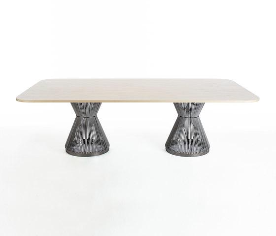 WIS Design Hide Table